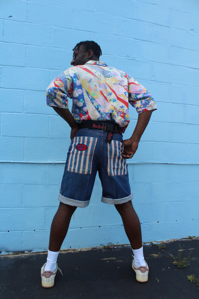 90's CROSS COLOURS DENIM SHORTS