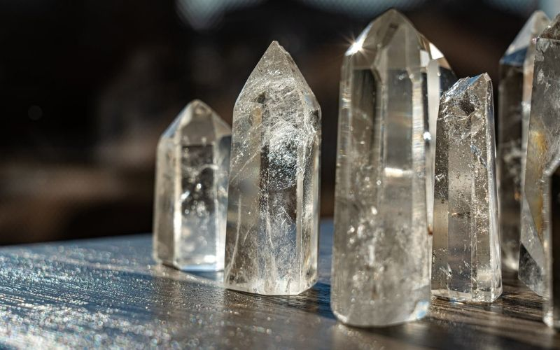 clear quartz crystal guide