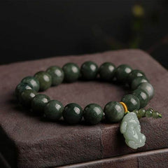How to wear a Feng Shui Pixiu - Natural Emerald Abundance Pixiu Bracelet