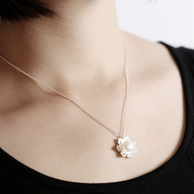 Lotus Pearl Pendant Necklace - Mint & Dream