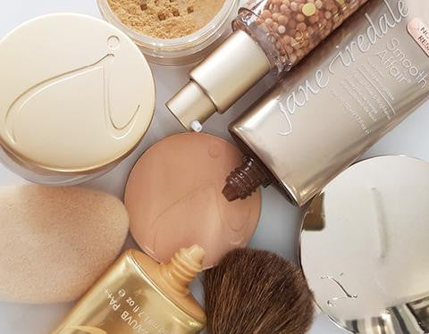 5 Simple Ways to Clean Out Your Makeup Bag