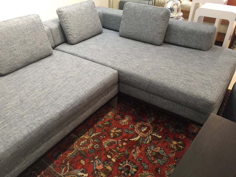 Apartmento 'Gilbert' Sectional Sofa