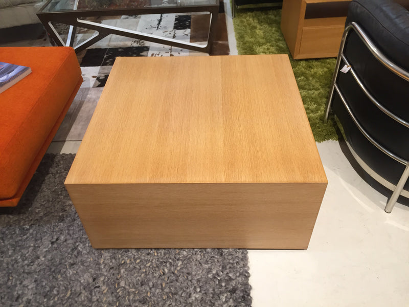 Apartmento Coffee Table
