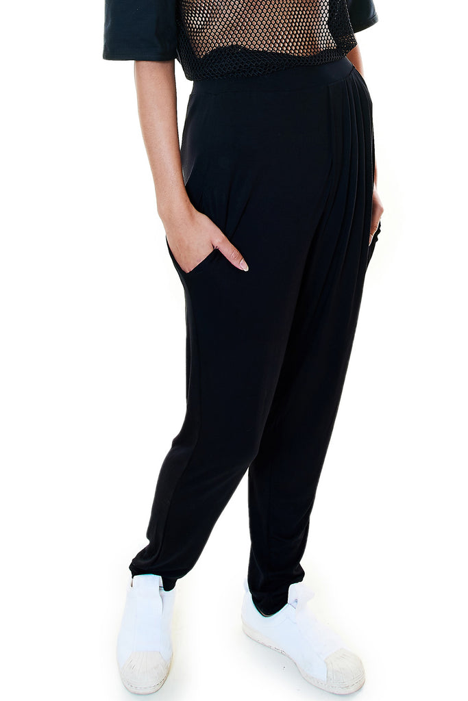 Black Pleated Pant - casacomostyle