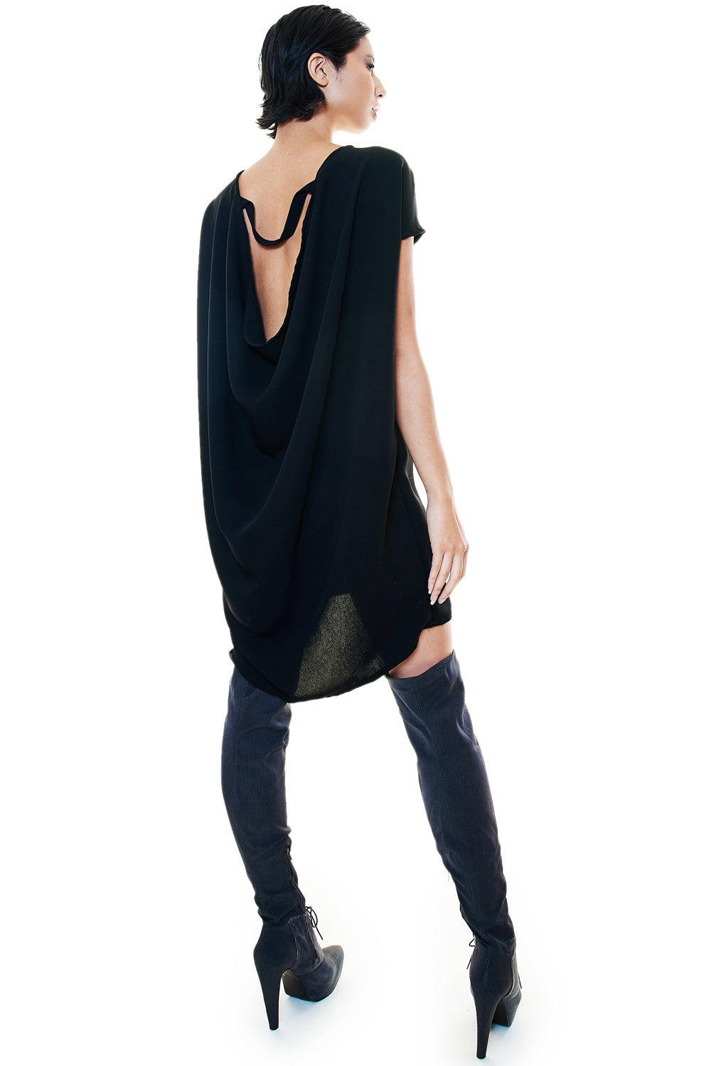 SLEEVELESS BLACK TUNIC DRESS - casacomostyle