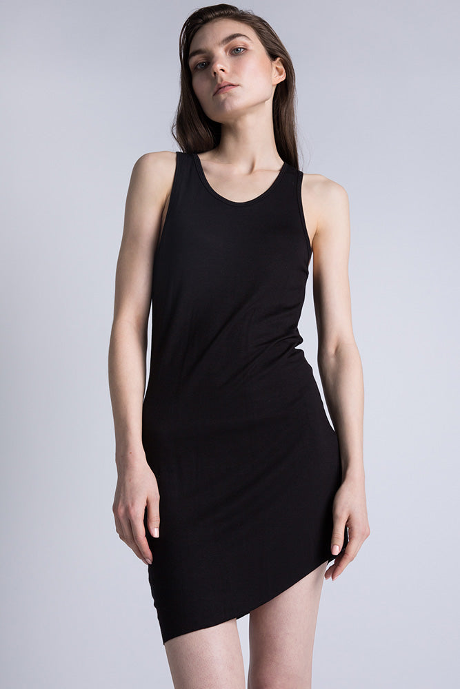 Casa Como black long line racer back tank top with curbed hem.
