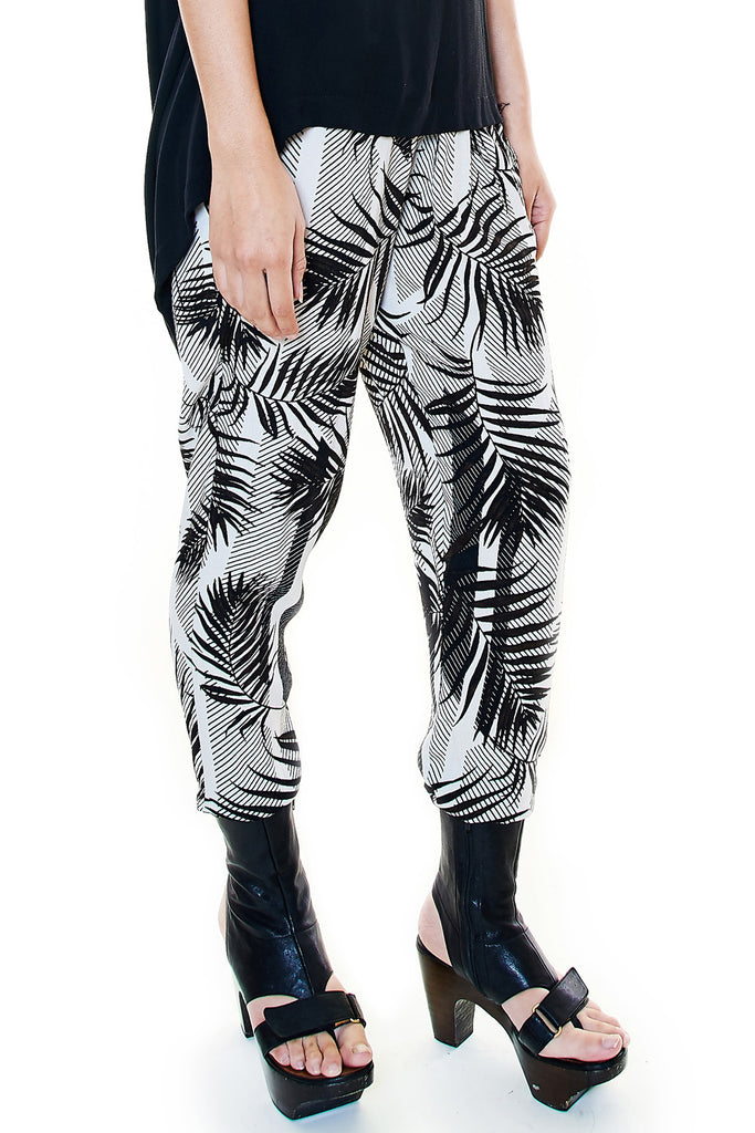 Pleated Tropical Print Pants - casacomostyle