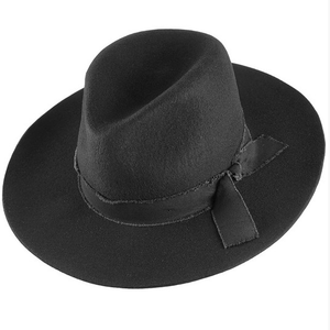 women's black felt hat