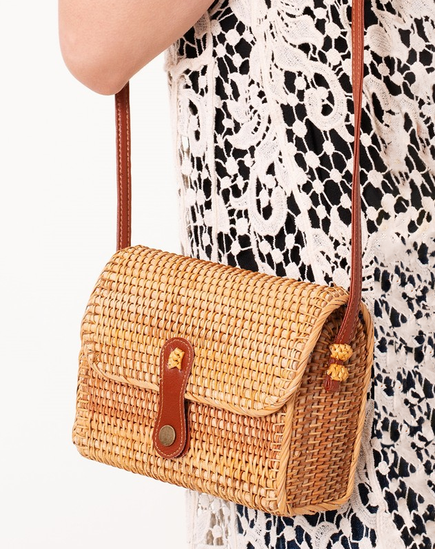 natural tan rattan straw handbag