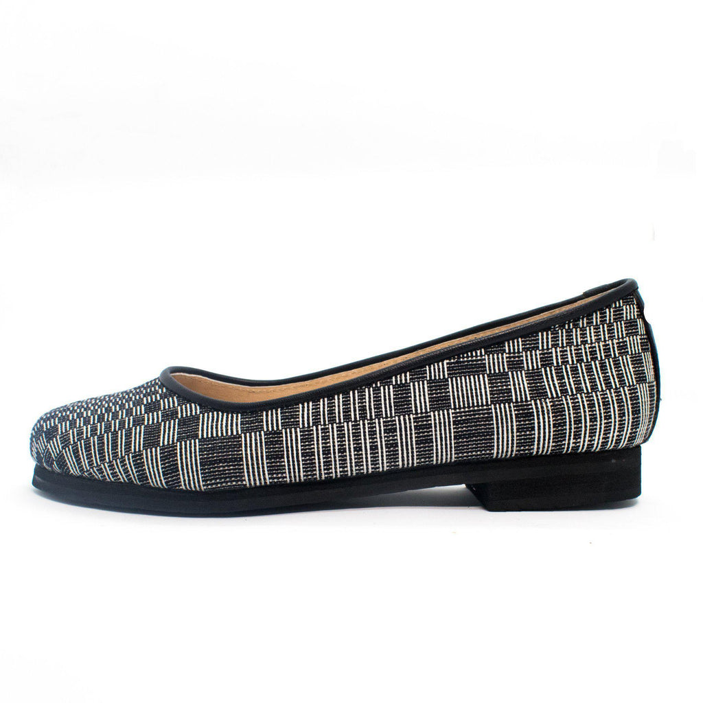 Lily Ballet Flat in Dark Blue Binakul
