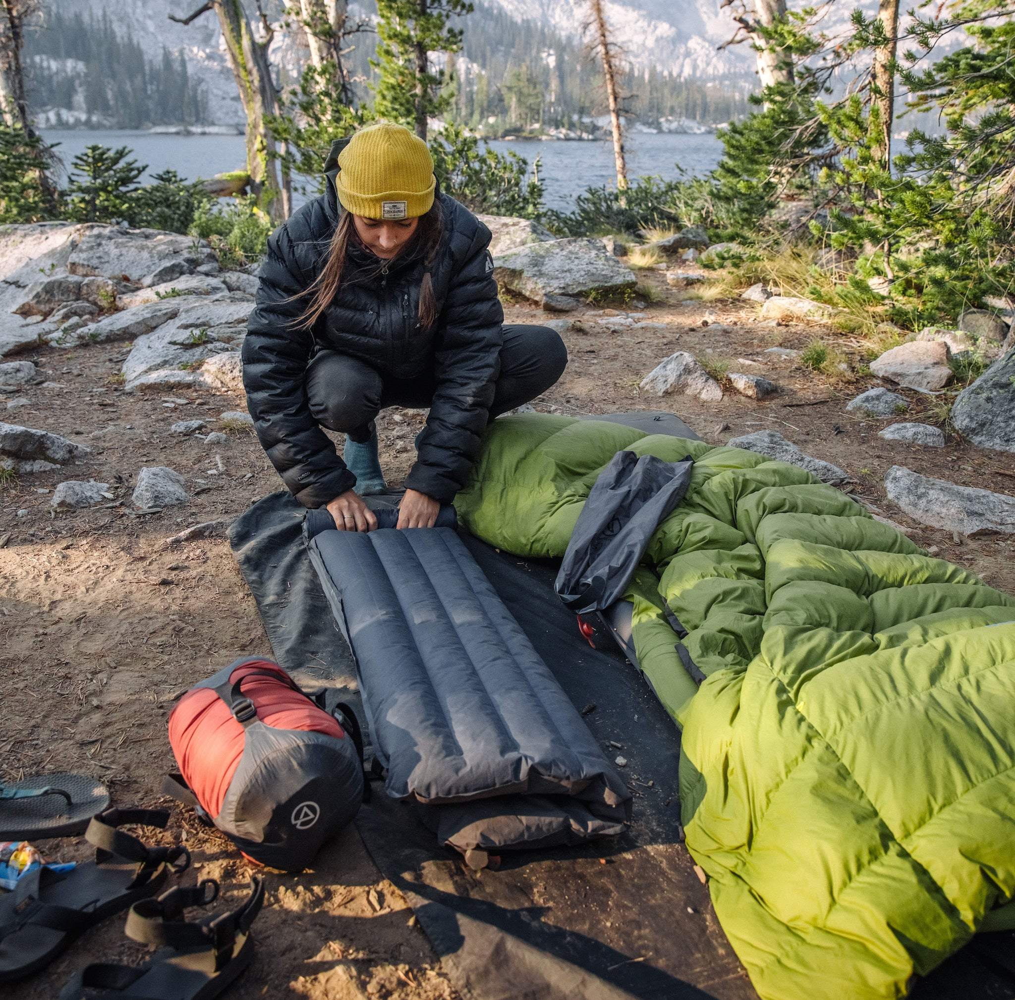 The Zenbivy Dry Sack features fully-welded seams for a watertight seal you can trust, instant compression through its high-speed mechanical valve, and durable yet lightweight construction.