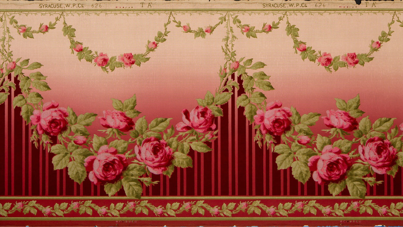 Blended Frieze with Rose Garlands - Antique Wallpaper Remnant