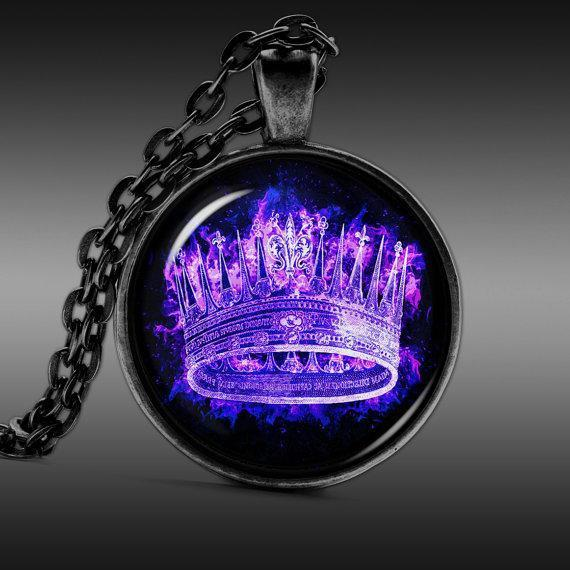 Queen Crown Necklace 1