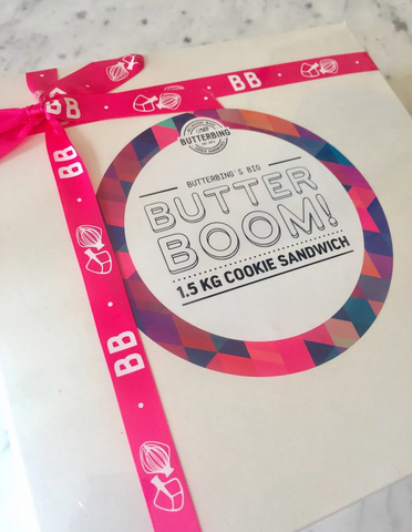 Pictured above is a Butterboom - a 1.5kg cookie sandwich which is perfect for birthdays and celebrations. Butterbing even has a gender reveal range with pink or blue buttercream inside!