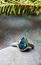 Serpentine Ring in Rhodium