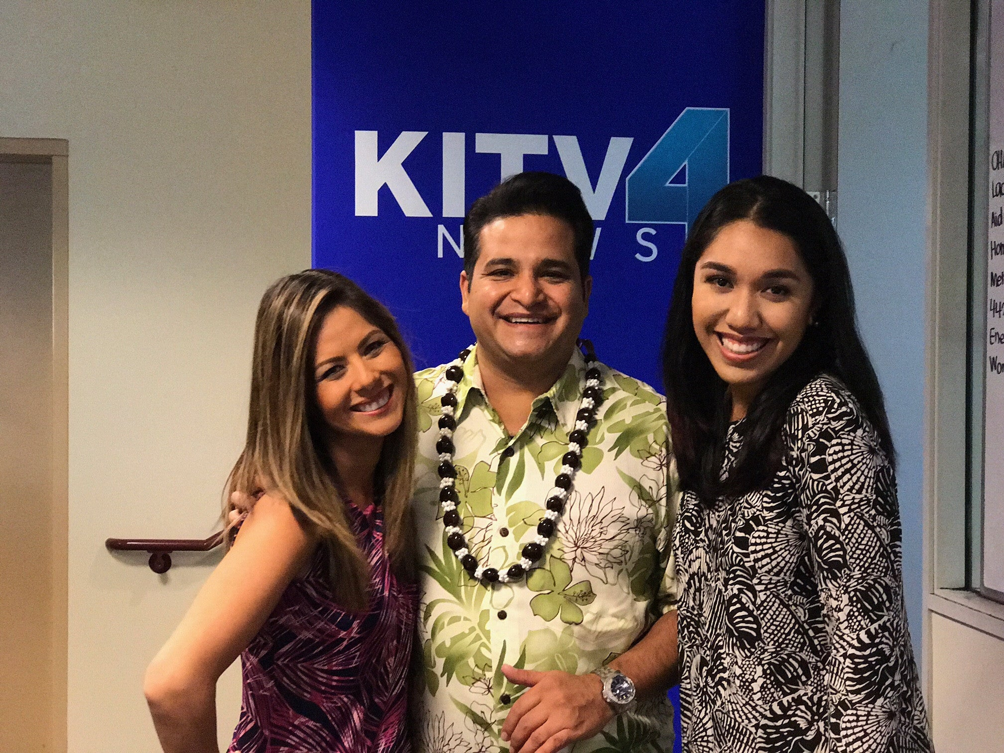 KITV4 NEWS in 'IOLANI