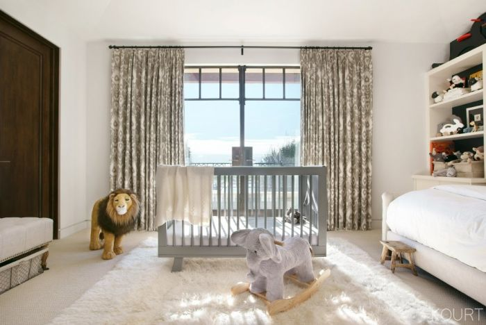 Refinery29 2-7-17 babyletto Hudson Crib Kourtney Kardashian nursery