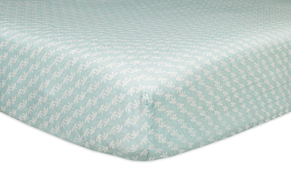 T11050,Fleeting Flora Fitted Crib Sheet