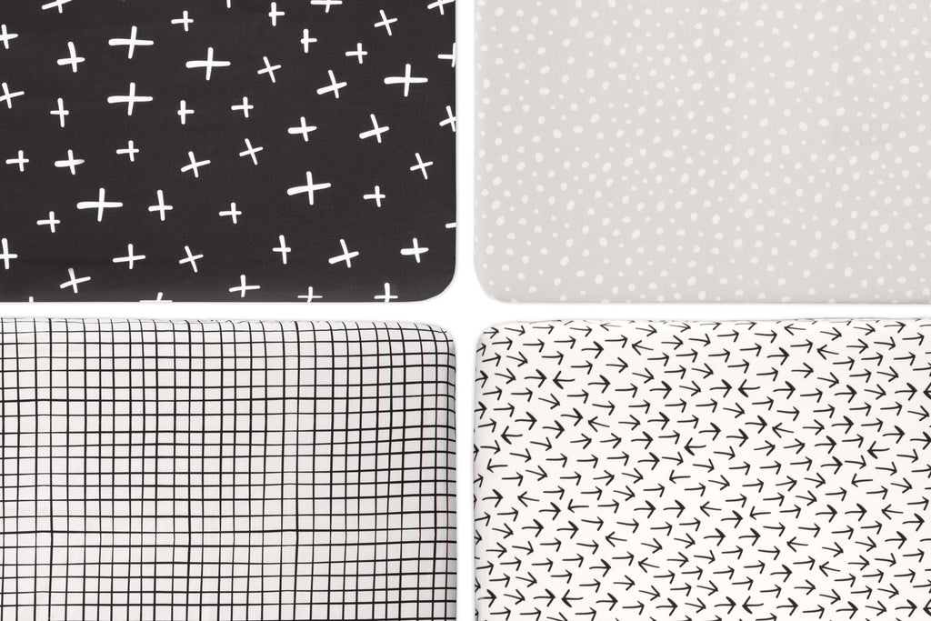 T11570,Tuxedo Dots Mini Crib Sheet in Grey Dots Print