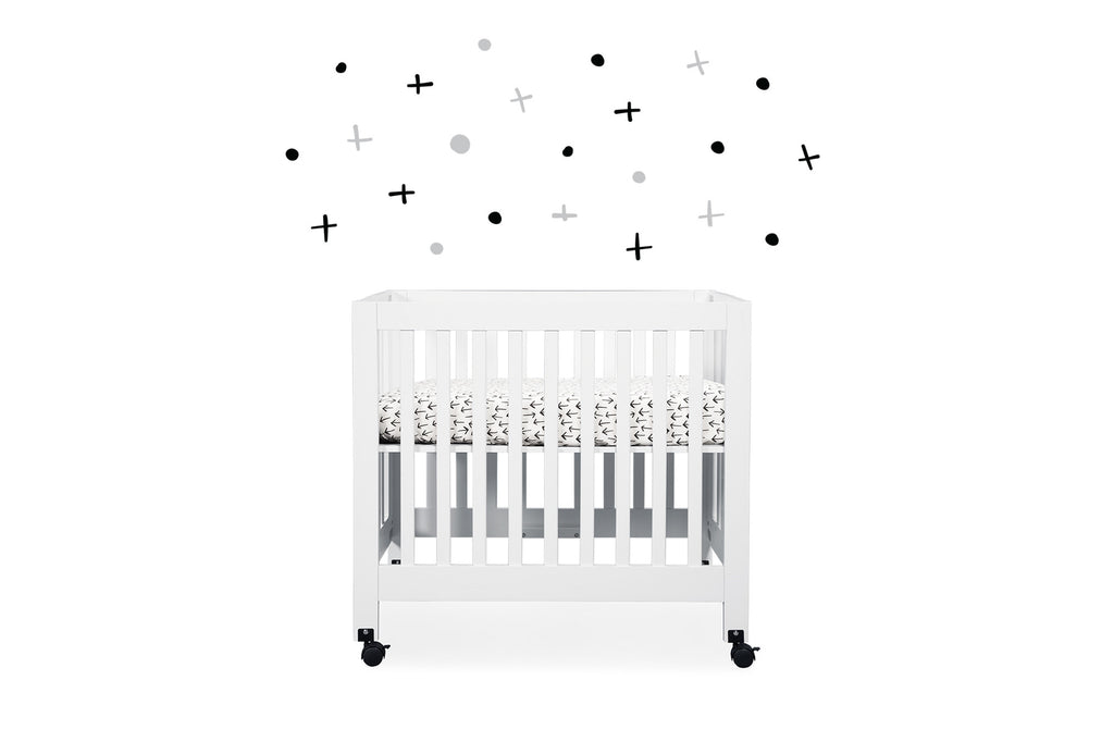 T11565,Tuxedo Arrows Mini Crib Sheet in Arrow Print