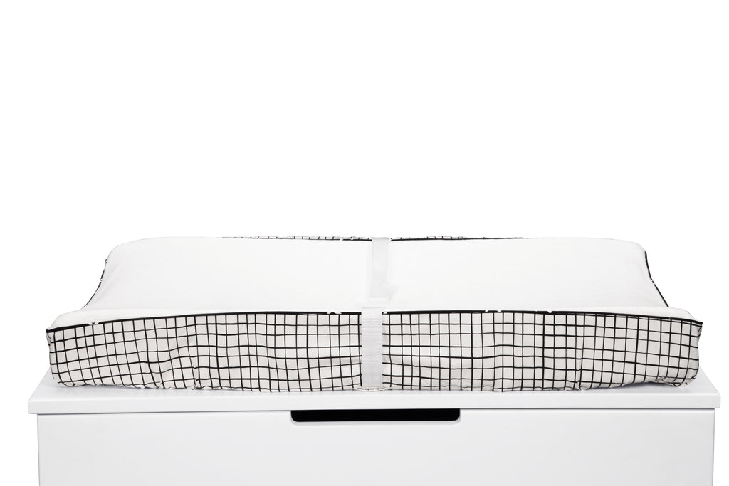 T11563,Tuxedo Contour Changing Pad Cover in Grid Print