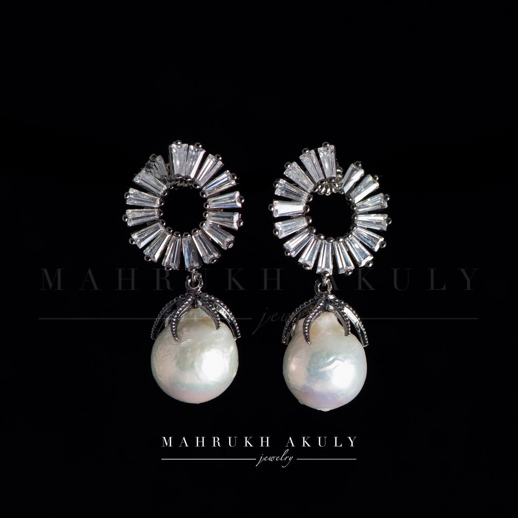 Baroque pearl and zirconia drops