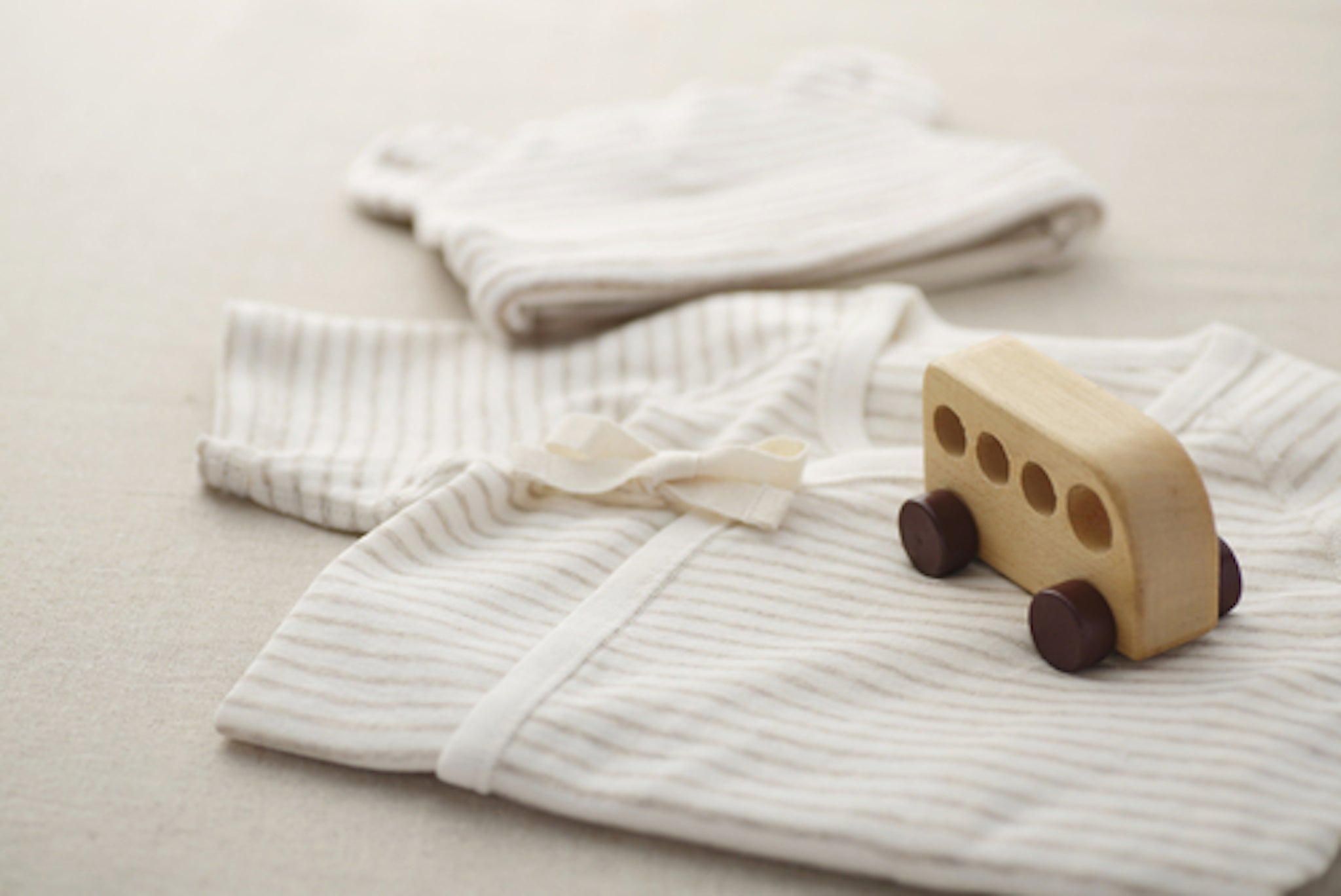 5 Benefits of Organic Infant Clothing: Understanding When to Buy Organic