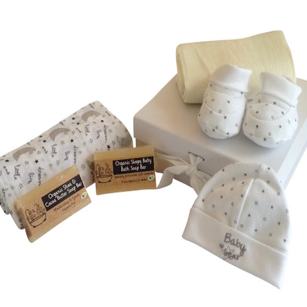 Baby Bear Dreams Mum and Baby Gift Box | 6 pieces