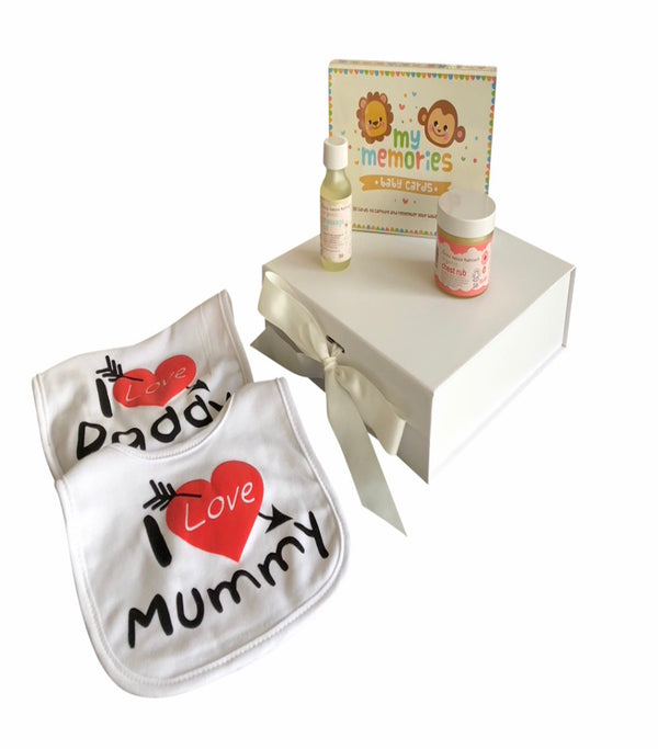 Unisex baby gift box, unisex baby hamper, I love mummy dribble bib, I love daddy dribble bib