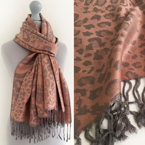 A-SHU BLUSH PINK LARGE LEOPARD PRINT REVERSIBLE PASHMINA SHAWL SCARF - A-SHU.CO.UK