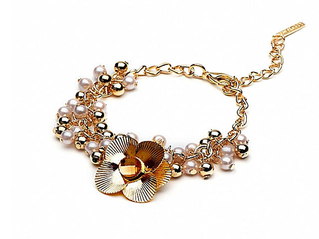 A-SHU GOLD PEARL EFFECT BEADED BRACELET WITH FLORAL CHARM - A-SHU.CO.UK