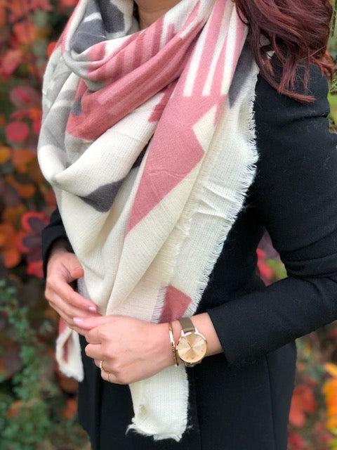 A-SHU LARGE BLUSH PINK THICK WOOL MIX SQUARE SHAWL - A-SHU.CO.UK