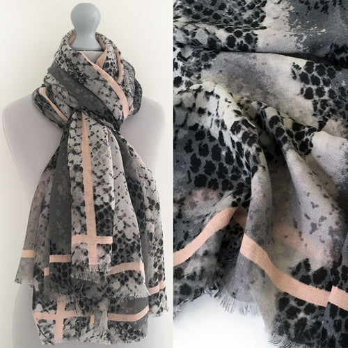 A-SHU LARGE GREY SNAKESKIN PRINT SHAWL SCARF WITH STRIPE - A-SHU.CO.UK
