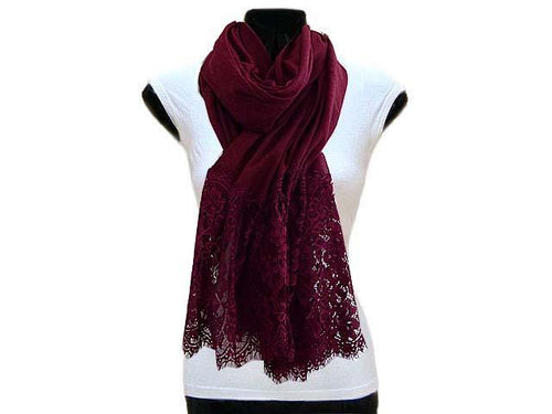 LARGE MAROON LACE DETAIL LIGHTWEIGHT SCARF