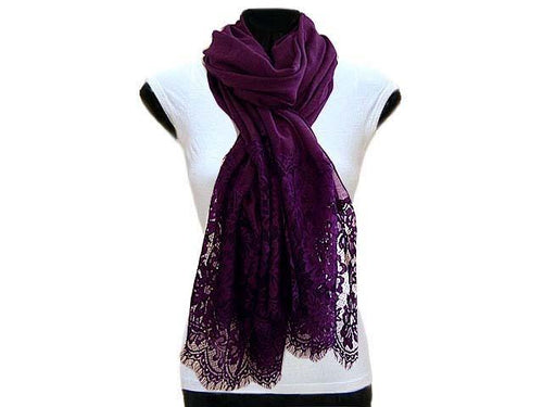 LARGE PURPLE LACE DETAIL LIGHTWEIGHT SCARF