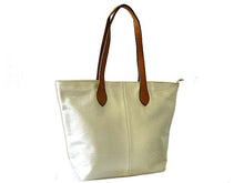 LIGHTWEIGHT METALLIC SILVER FAUX LEATHER TOTE HANDBAG