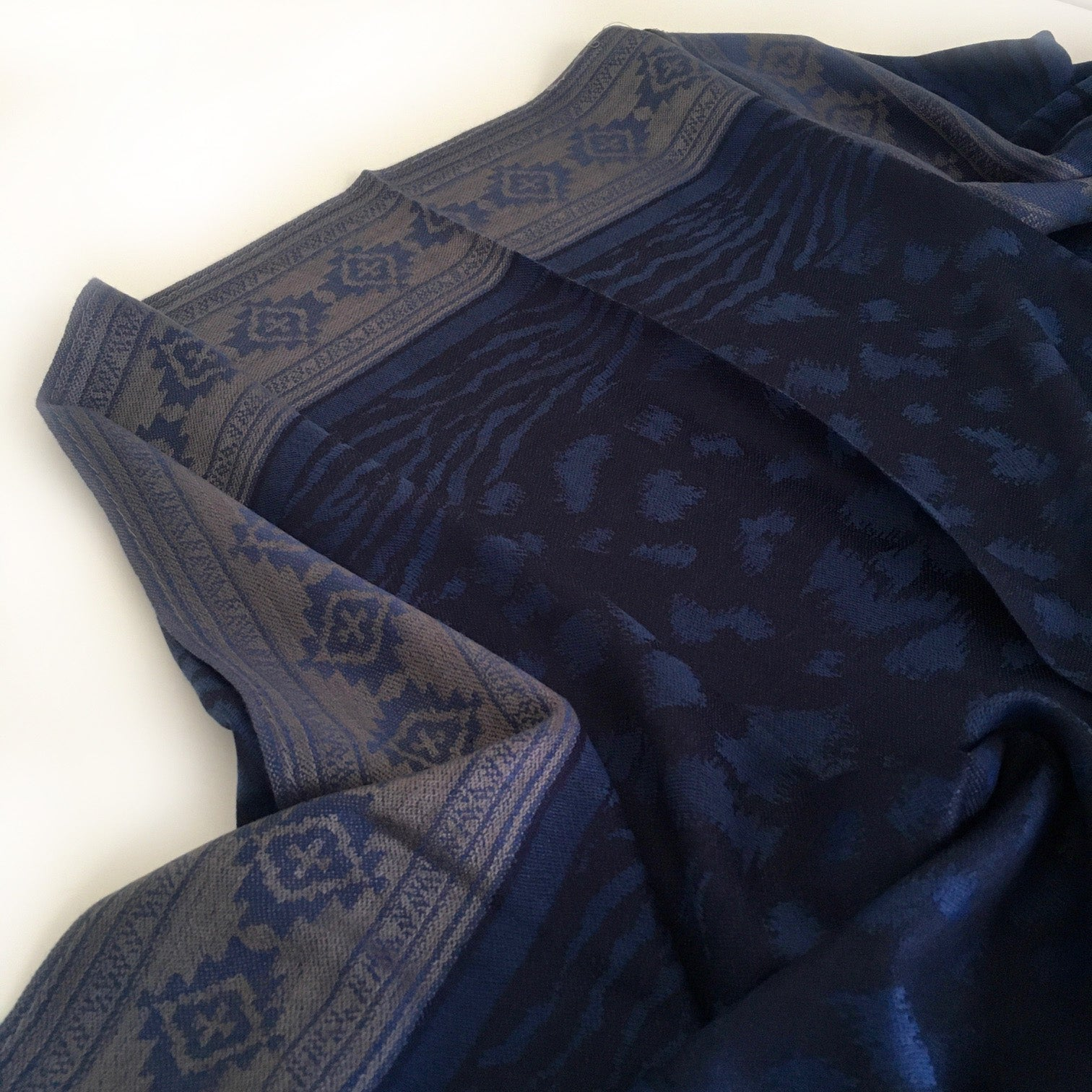 A-SHU NAVY BLUE ANIMAL PRINT REVERSIBLE PASHMINA SHAWL SCARF - A-SHU.CO.UK