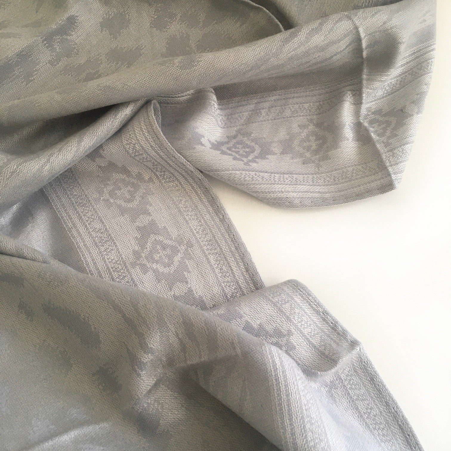 A-SHU SILVER GREY ANIMAL PRINT REVERSIBLE PASHMINA SHAWL SCARF - A-SHU.CO.UK