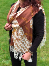 LARGE BROWN CHAIN AND DOGTOOTH DESIGN SHAWL SCARF