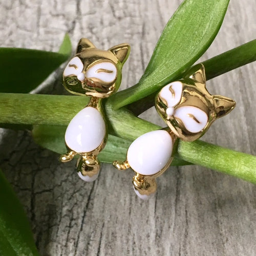 LIGHTWEIGHT GOLD DANGLE DROP FOX STUD EARRINGS