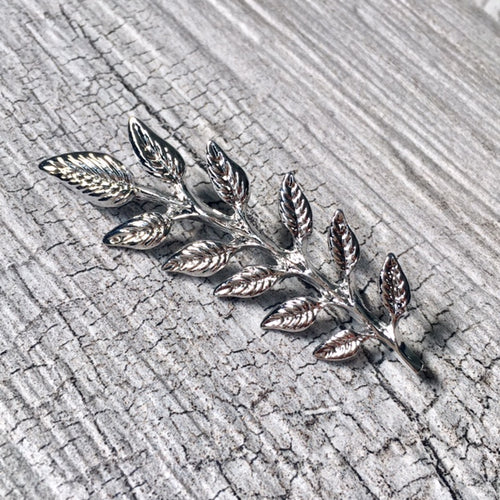 A-SHU SET OF 2 SILVER LEAF COLLAR PINS / BROOCH PINS - A-SHU.CO.UK