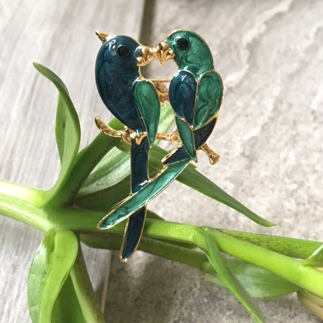 A-SHU TURQUOISE GREEN PAIR OF PARROTS 3-D BROOCH PIN - A-SHU.CO.UK