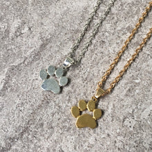 SHORT SILVER PAW PRINT / DOG FOOTPRINT NECKLACE