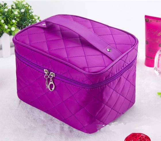 LARGE PURPLE QUILTED DESIGN MAKE UP COSMETICS BAG / TRAVEL TOILETRY BAG