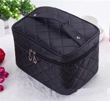 LARGE PINK QUILTED DESIGN MAKE UP COSMETICS BAG / TRAVEL TOILETRY BAG