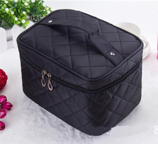 A-SHU LARGE BLACK QUILTED DESIGN MAKE UP COSMETICS BAG / TRAVEL TOILETRY BAG - A-SHU.CO.UK