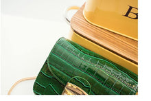 SMALL GREEN CROCODILE EFFECT CROSS-BODY HANDBAG WITH CHAIN LINKED STRAP