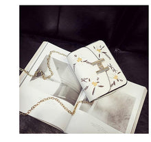 SMALL BEIGE DESIGNER STYLE FLORAL EMBROIDERED CROSS-BODY SHOULDER BAG WITH CHAIN STRAP