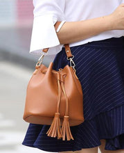 SMALL TAN DRAWSTRING TASSEL BUCKET BAG / CROSS BODY SHOULDER BAG