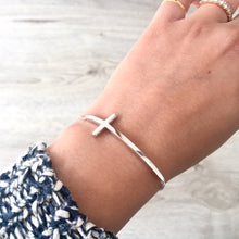 SOLID 925 STERLING SILVER SIDEWAYS CROSS DAINTY BRACELET